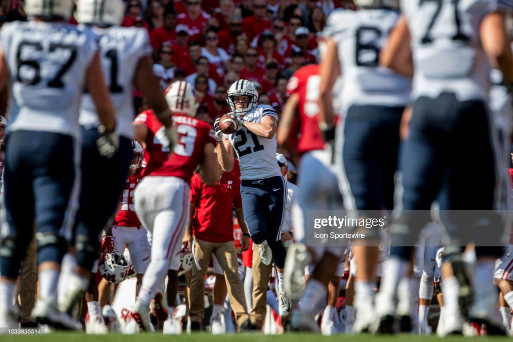 BYU Cougars wide receiver Talon Shumway makes the catch ...