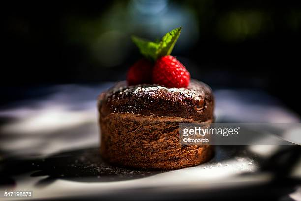 coulant du chocolat - dessert stock pictures, royalty-free photos & images