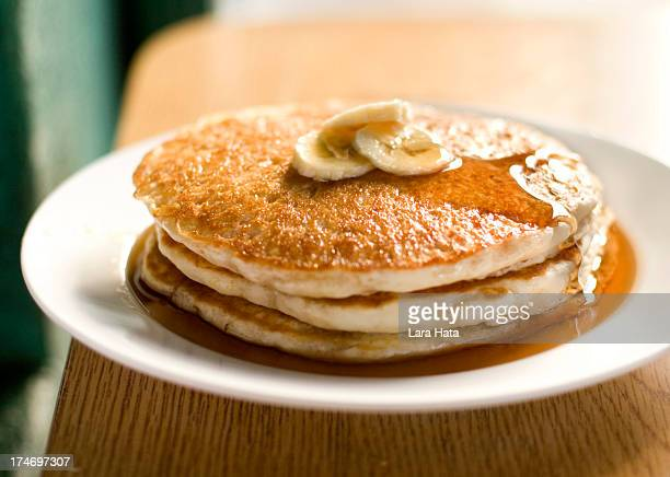 i couldn't see the picture of banana pancakes - pancake stock pictures, royalty-free photos & images