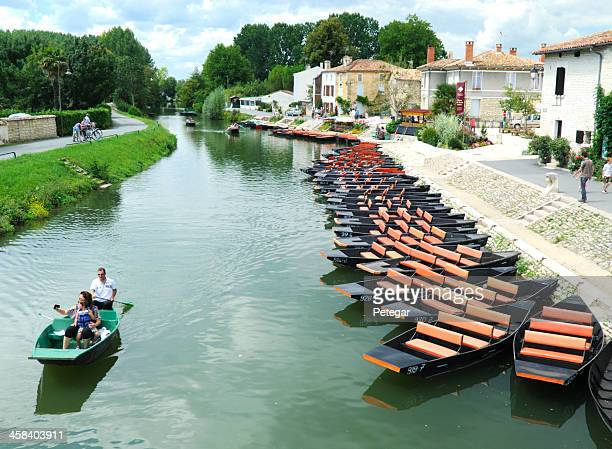 coulon, france - charente stock pictures, royalty-free photos & images