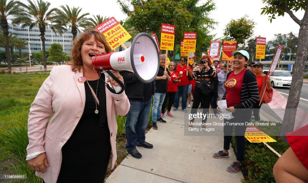 Long Beach Nurses Picket : News Photo