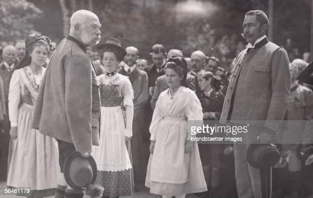 Count Wurmbrand is holding a speech for Emperor Franz Joseph. Bad Ischl. Photography, about 1910. [Graf Wurmbrand haelt fuer Kaiser Franz Joseph eine...