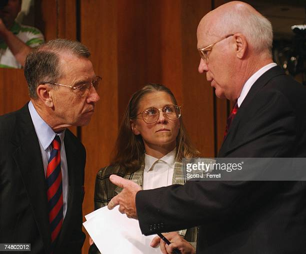 COUNTERTERRORISMSen Charles E Grassley RIowa left and Senate Judiciary Chairman Patrick J Leahy DVt right with witness Coleen Rowley an FBI special...