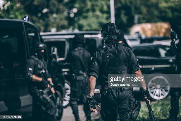 counter-terrorists team - terrorism stock pictures, royalty-free photos & images