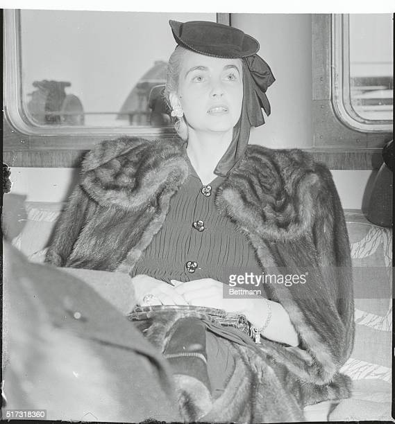Countess Babs Back New York New York Countess Barbara Hutton HaugwitzReventlow answering questions of reporters aboard the SS Conte di Savoia on...
