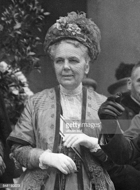 *1846 1926 Countess Constable of the Empress Augusta Victoria Portrait ca 1921 Photographer Walter Gircke Published by 'Zeitbilder' 33/1921 Vintage...