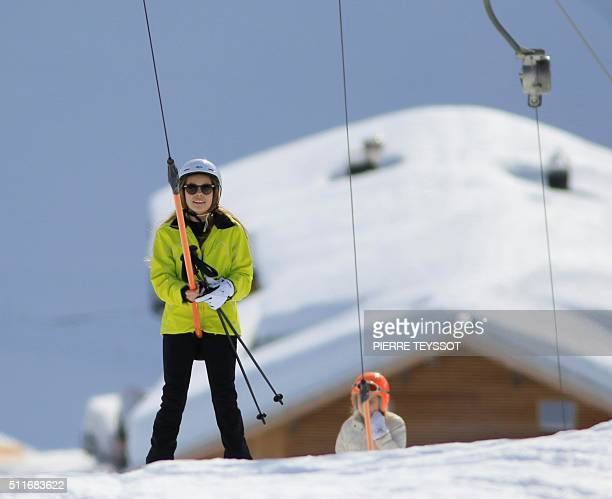 Countess Eloïse of The Netherlands uses a ski lift during her ski holidays in Lech am Arlberg Austria on February 22 2016 / AFP / PIERRE TEYSSOT
