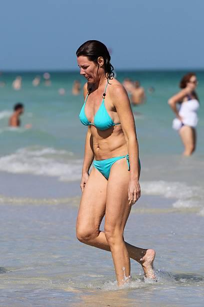 Luann de lesseps bikini — pic 9