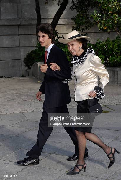 Countess of Romanones Aline Griffith attends the wedding of Pepito Marquez y Gonzalez de Gregorio Duchess of Fernandina's son and Edina Zichy Earl of...