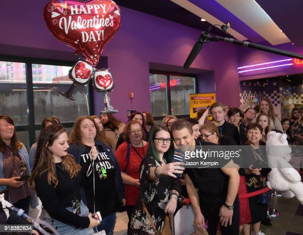 Country artist Hunter Hayes spends time with fans at Regal Green Hills on February 14 2018 in Nashville Tennessee