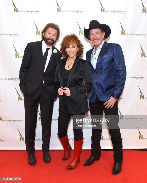 Country artist's Ronnie Dunn Reba McEntire and Kix Brooks attend the 2018 Nashville Songwriters Hall Of Fame Gala at Music City Center on October 28...