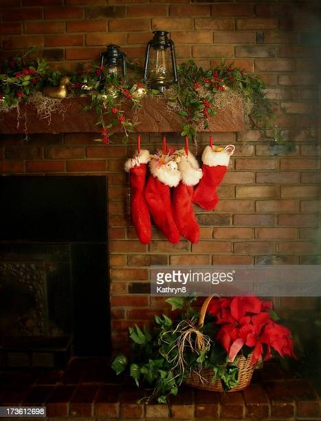 country christmas mantel - country christmas stock pictures, royalty-free photos & images