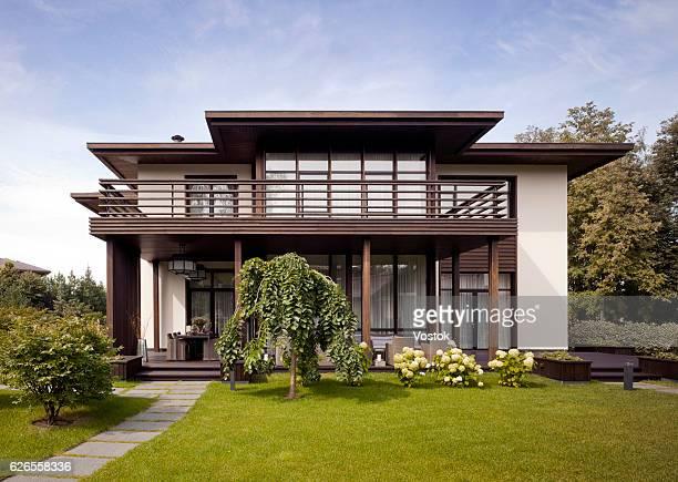 country house in the luxury village near moscow - villa stock-fotos und bilder