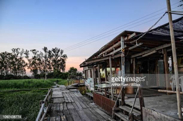 country hut - arthur foto e immagini stock
