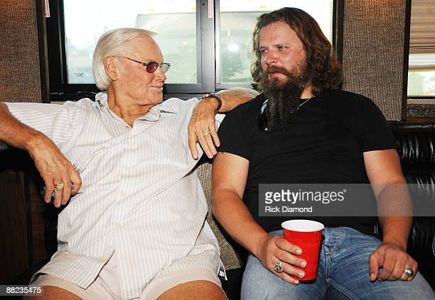COVERAGE*** Country Legend George Jones and Singer/Songwriter Jamey Johnson chat on their bus backstage at the 2009 BamaJam Music and Arts Festival...
