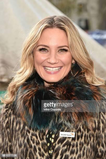 Country music singer/songwriter Jennifer Nettles Visits World Vision Give Back Gift Shop on November 28 2017 in New York City