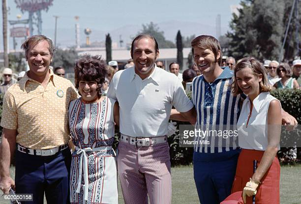 Country musician Glen Campbell poses with his wife Billie Jean Nunley and others during the Bob Hope Desert Golf Classic on February 13 1971 in Palm...