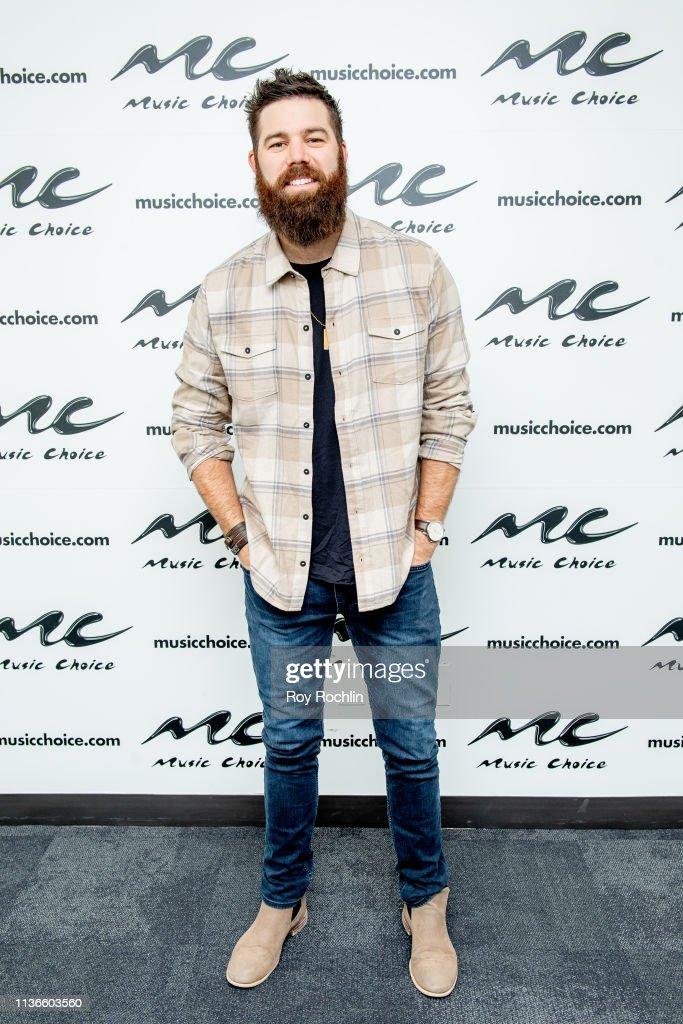 NY: Jordan Davis Visits Music Choice