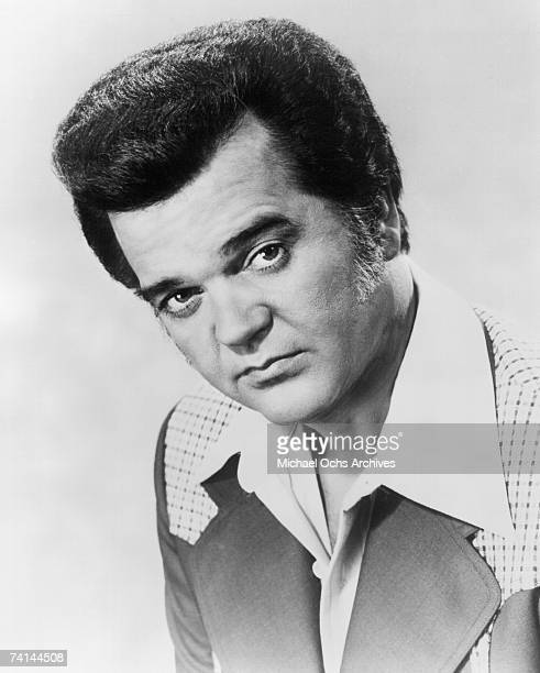 Country singer Conway Twitty poses for a 1974 portrait.