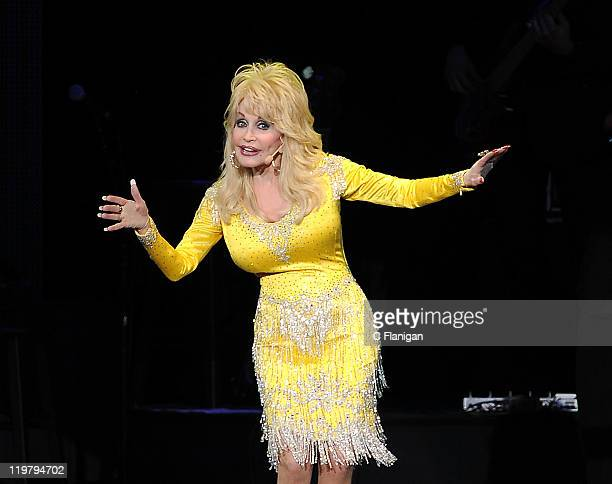 Country Singer Dolly Parton performs at Sleep Train Pavilion on July 24, 2011 in Concord, California.