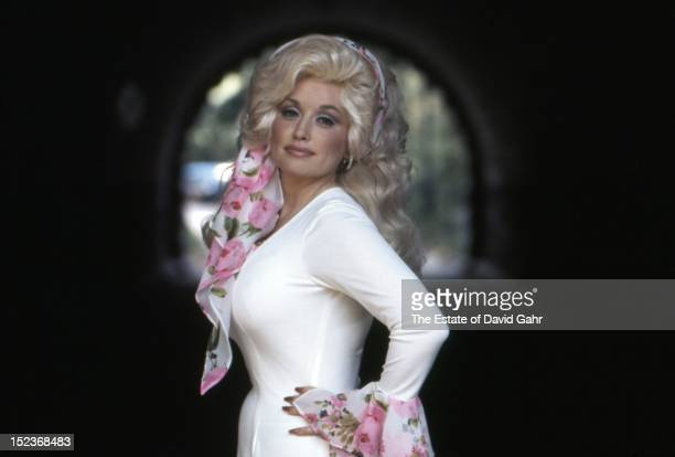 Country singer Dolly Parton poses for a portrait in September1976 in New York City New York