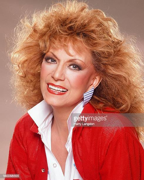 Country singer Dottie West poses for a portrait circa 1989 in Los Angeles California