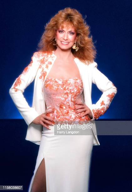 Country Singer Dottie West poses for a portrait in 1989 in Los Angeles California