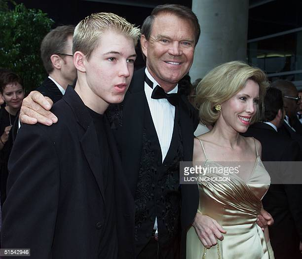 Country singer Glen Campbell and his wife Kim and son Cal arrive at the 42nd Annual Grammy Awards 23 February at the Staples Center in Los Angeles...