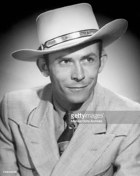 Country singer Hank Williams poses for a portrait circa 1948 in Nashville Tennessee