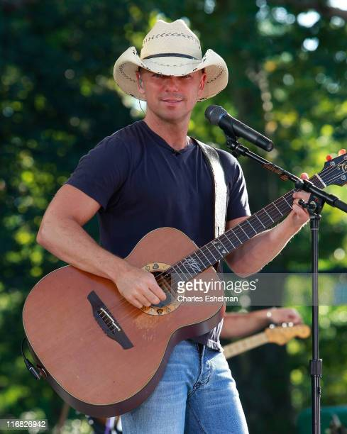 Country singer Kenny Chesney performs on ABC's 'Good Morning America' at Rumsey Playfield Central Park on August 14 2009 in New York City