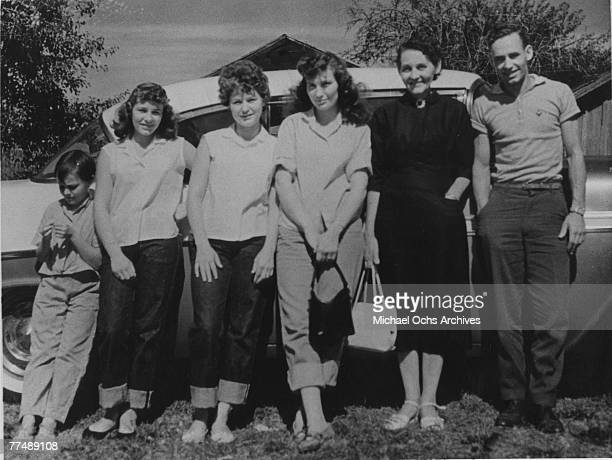 Country singer Loretta Lynn poses for a portrait with her familyr in circa 1952 in Butcher Holler Kentucky