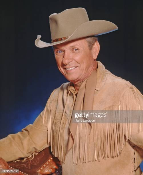 Country singer MelTillis poses for a portrait in 1996 in Branson Missouri