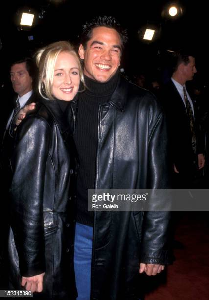 Country Singer Mindy McCready and Actor Dean Cain attend the Scream 2 Hollywood Premiere on December 10 1997 at the Mann's Chinese Theatre in...