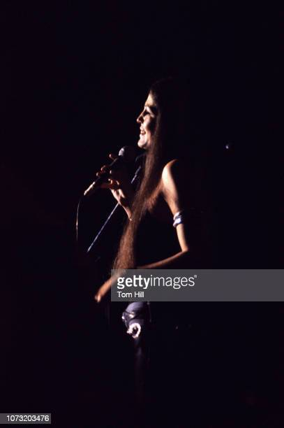 Country singer Rita Coolidge performs with Kris Kristofferson and Friends at the Municipal Auditorium on April 29 1973 in Atlanta Georgia