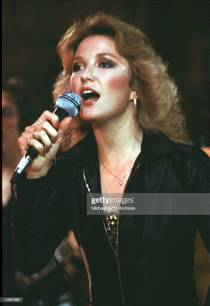Country singer Tanya Tucker performs at the Roxy Theatre on January 10, 1979 in Los Angeles, California.