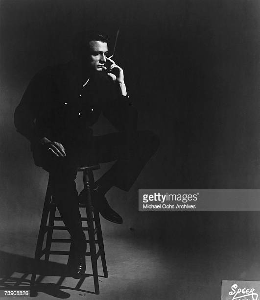 Country singer/songwriter Johnny Cash poses for a portrait in 1957 in Memphis Tennessee