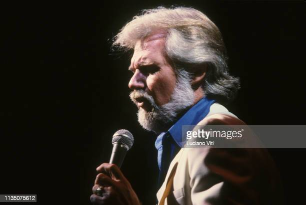 Country singer-songwriter Kenny Rogers, New Jersey, United States, 1982 .