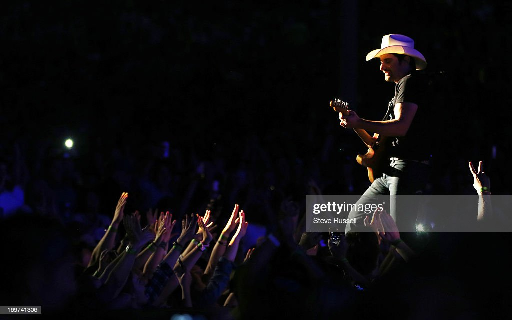 CAN: Brad Paisley Concert
