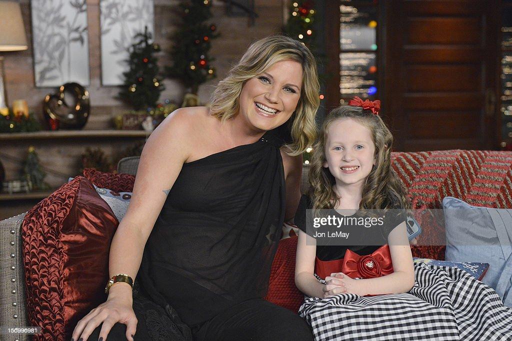 "ABC's 2012 ""CMA Country Christmas"" : News Photo"
