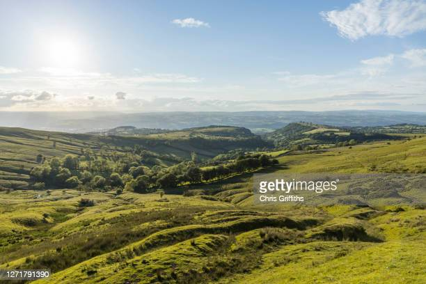 uk countryside landscape, welsh marches, united kingdom - brecon beacons stock pictures, royalty-free photos & images