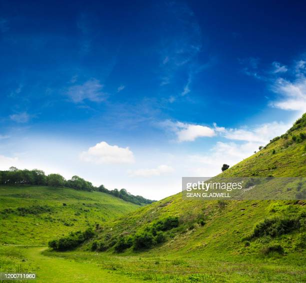 countryside valley landscape - rural scene stock pictures, royalty-free photos & images