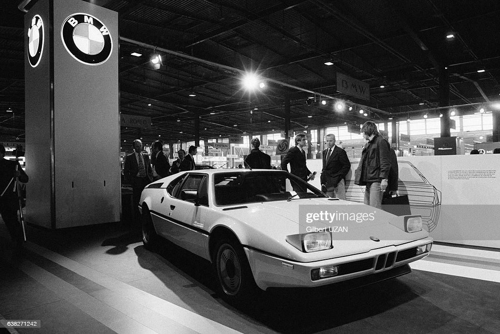 Coupe Bmw Sur Son Stand Lors Du Salon De L Automobile De Paris