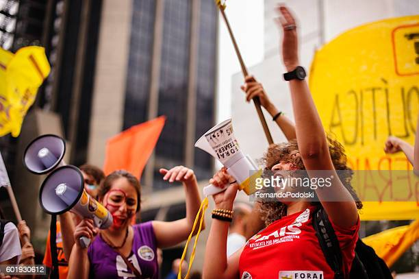 coup in brazil - igualdad de genero fotografías e imágenes de stock