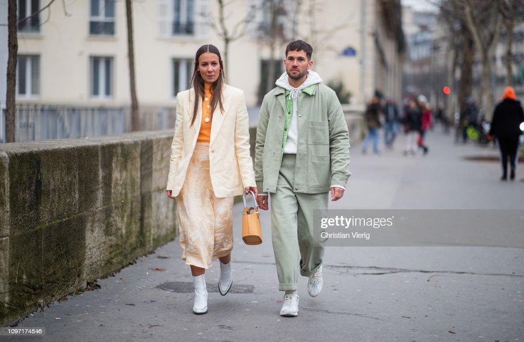 Street Style - Paris Fashion Week - Menswear F/W 2019-2020 : Day Six : News Photo