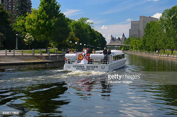 Couple and wedding party on Ottawa tour boat on the Rideau Canal