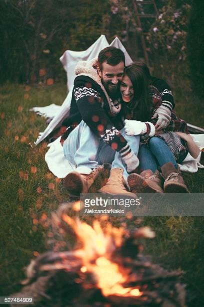 Paar camping in der Natur