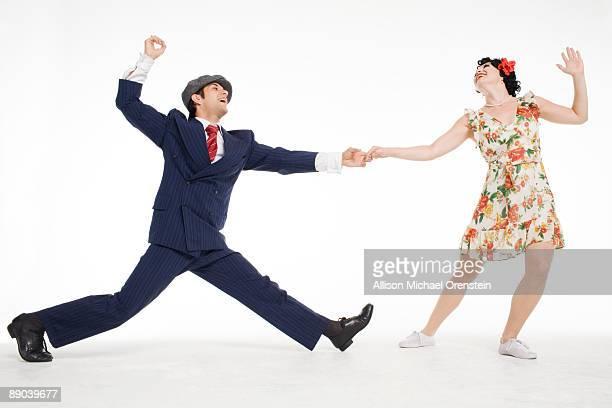 couple dancing - 足を開く ストックフォトと画像