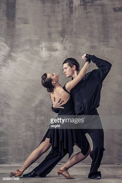 couple dancing tango argentino