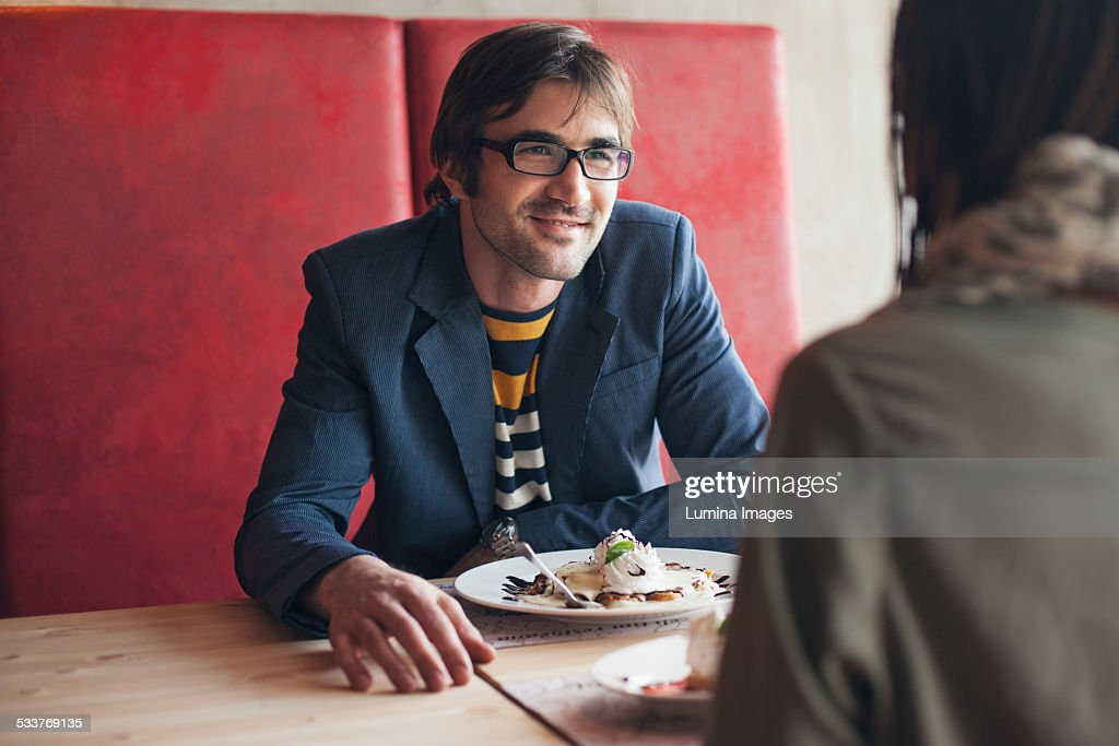 Couple eating in cafe : Foto stock
