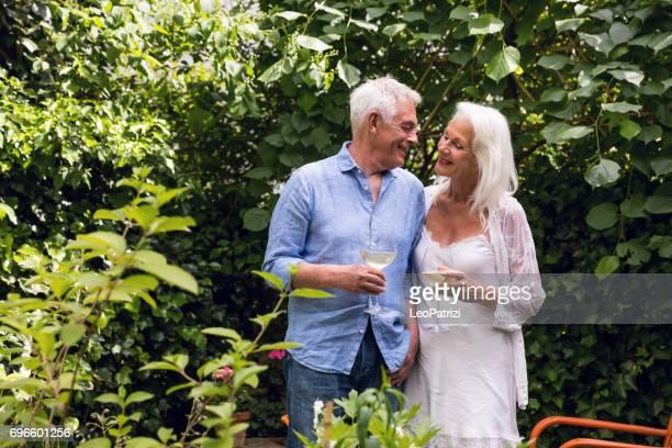 (Echt) paar genieten van het dagelijkse leven en pensioen. Senioren thuis